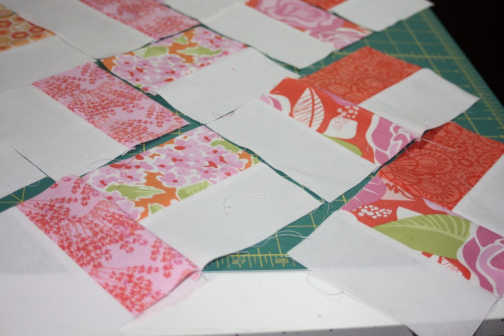 avery lane blog quilt sew along tutorial zigzag or chevron doll quilt2