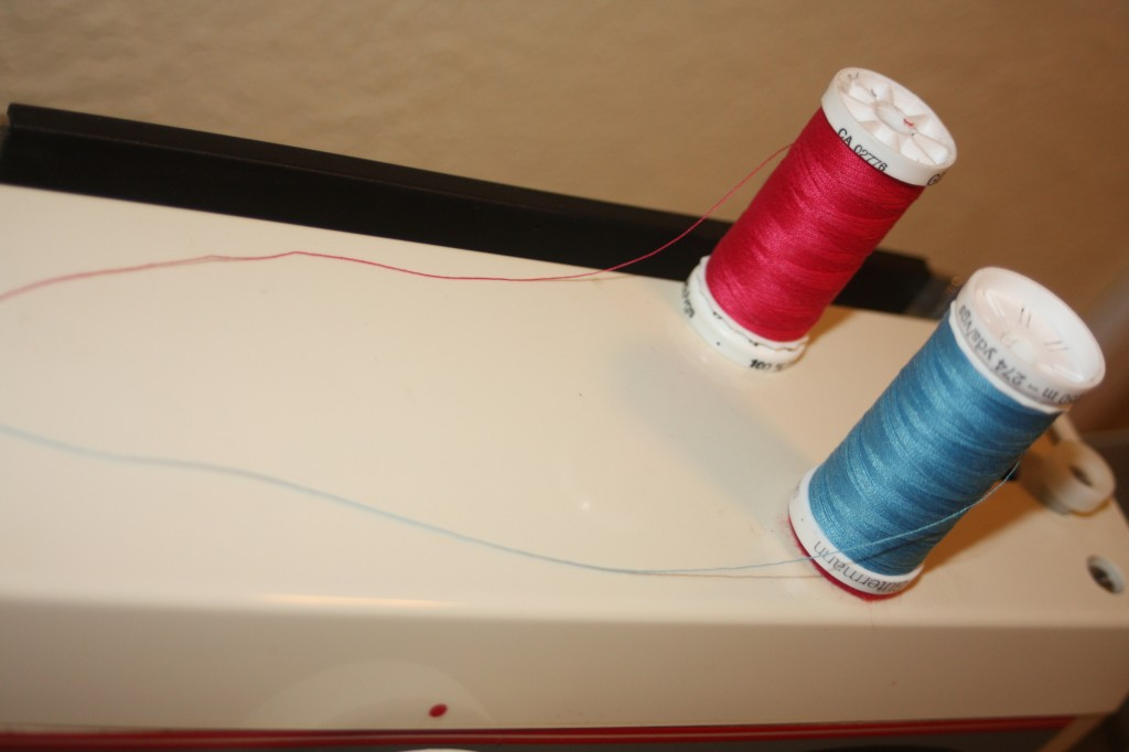 Sewing Tips : how to sew with a twin needle : Avery Lane Blog