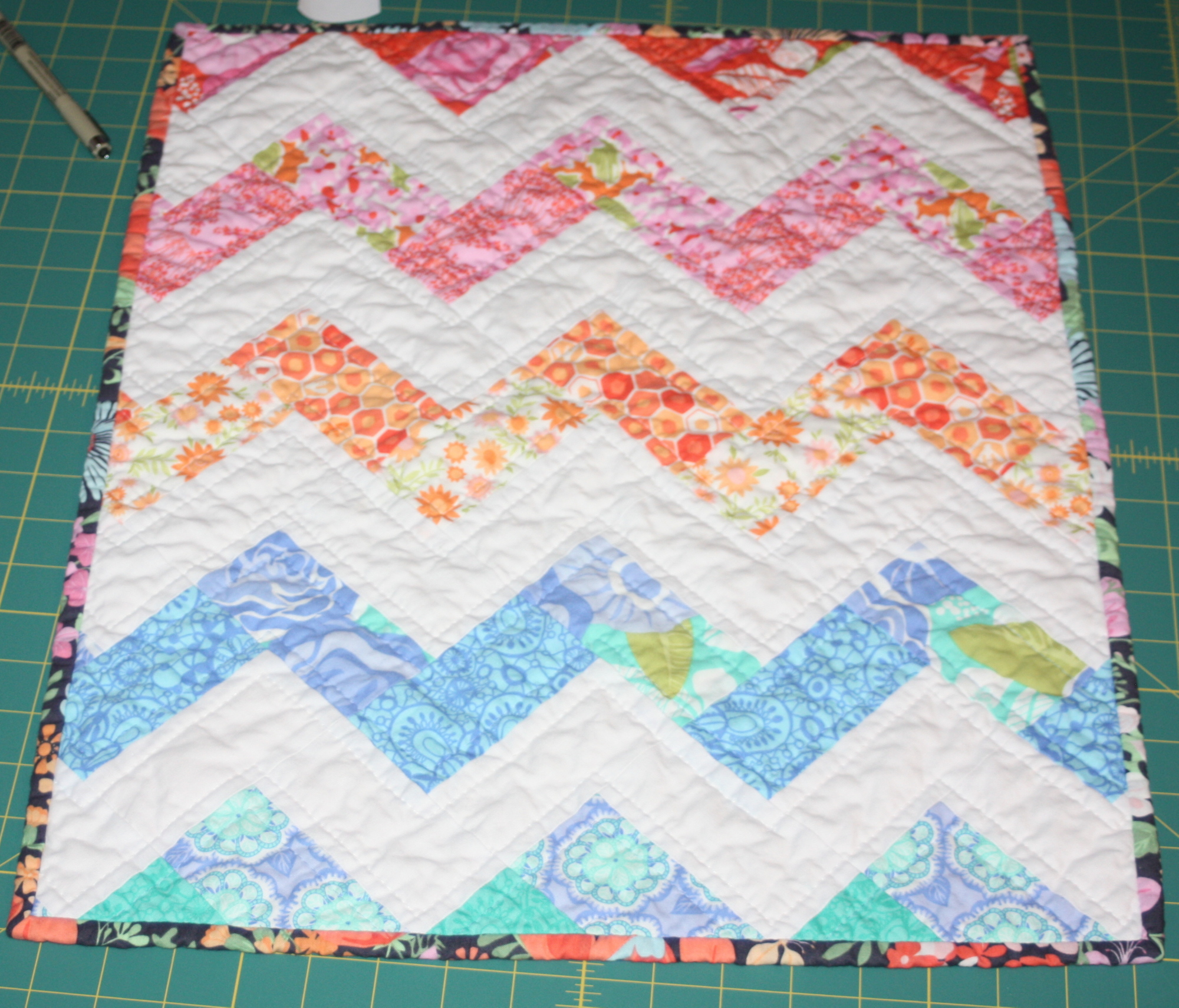 18 Inch Doll Quilt, Zigzag Or Chevron Pattern Sewing Tutorial