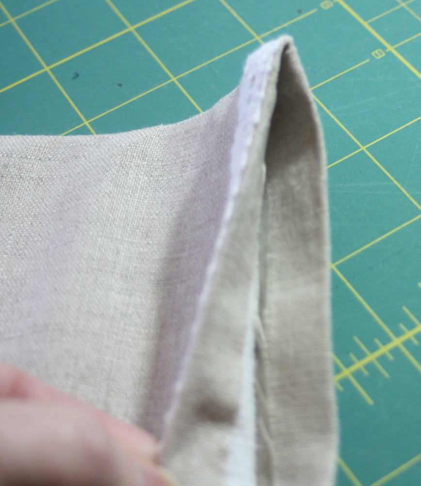 Sewing tutorial for making phone charging station 9